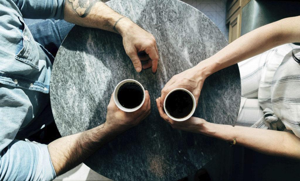 È possibile connettersi con qualcuno in quattro minuti?
